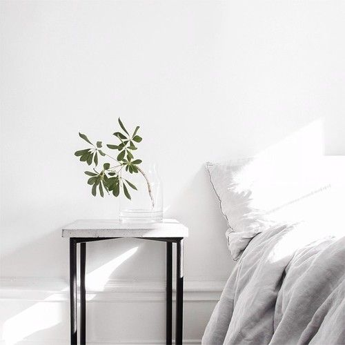 simplicity minimal light bedroom